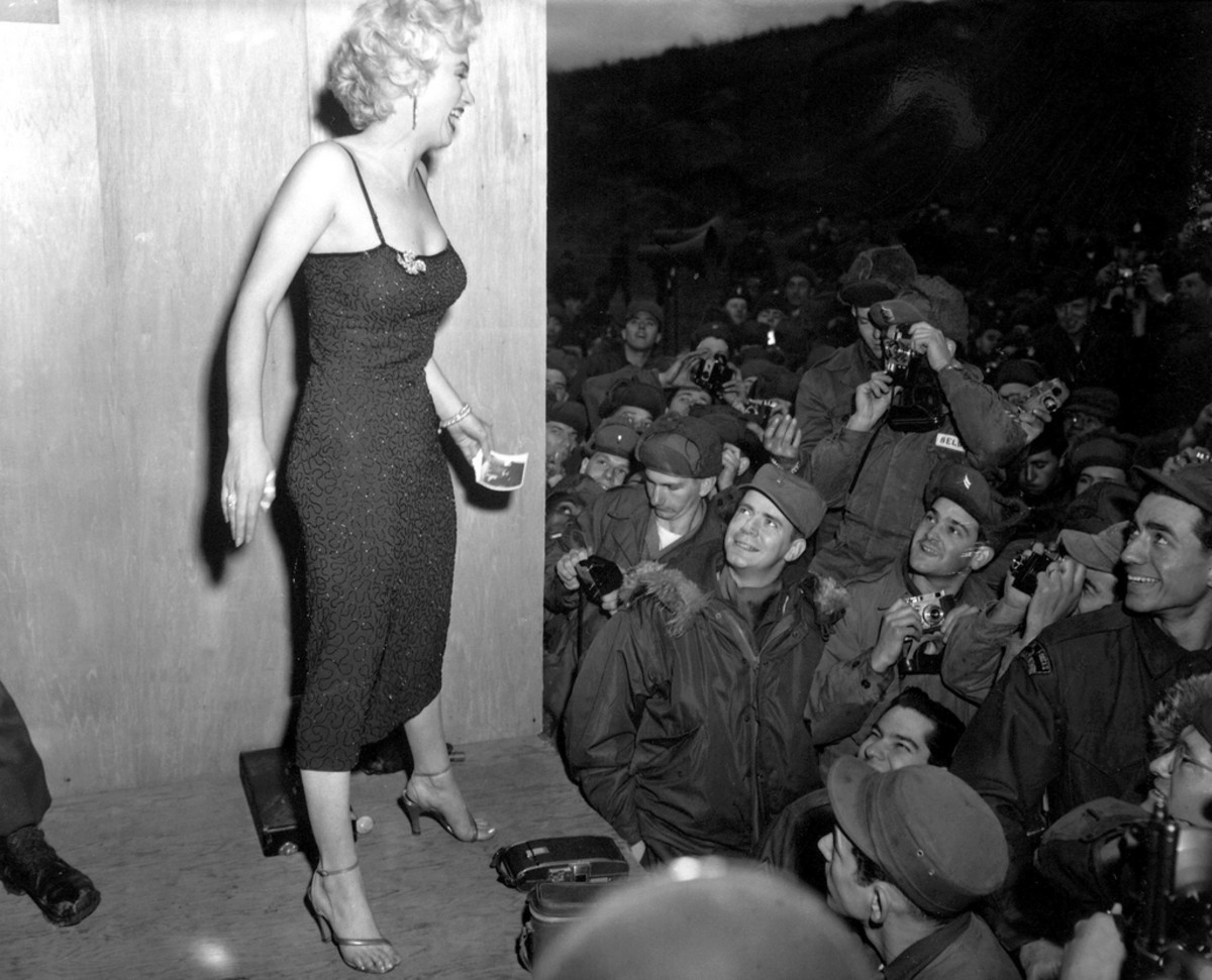 MARILYN MONROE ENTERTAINS THE TROOPS IN KOREA