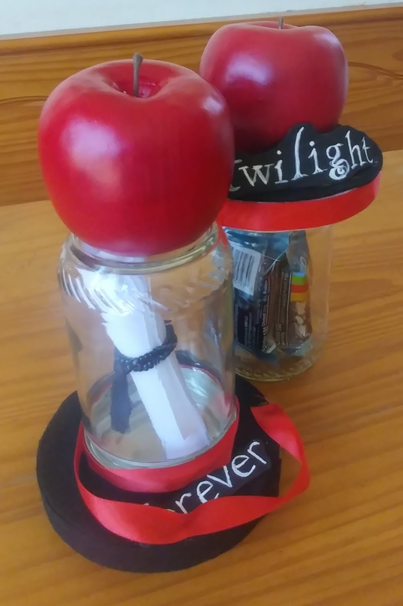 Twilight themed jars to, display or keep things in.