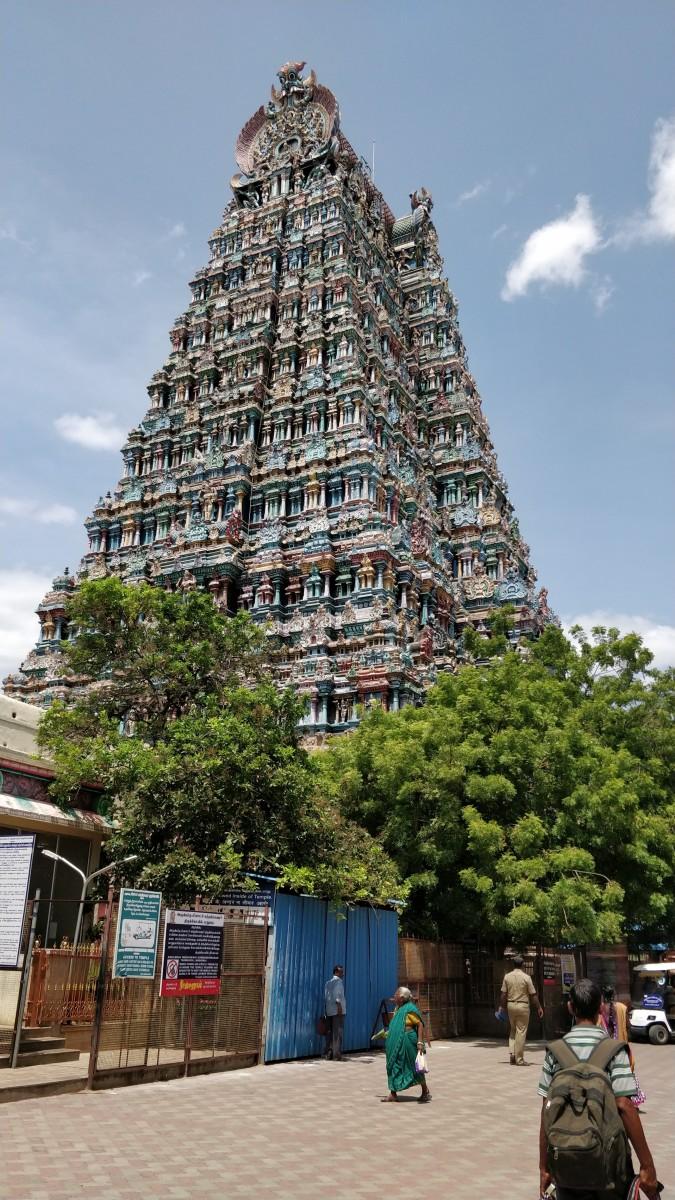 """VILLI SABHAI"" or Silver Dance Hall (Sundareswar Shiva temple, Madurai) -- 09 degrees 55 minutes 10 seconds North, 78 degrees 07 minutes 10 seconds East."
