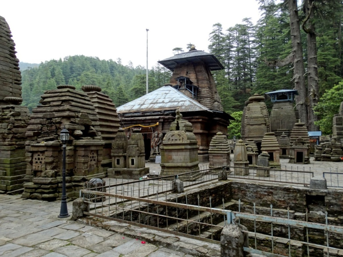 Jageswar in Uttarakhand state has more than 100 Shiva temples. This is Nageswar temple. Co-ordinates of Jageswar are 29 degrees 38 minutes 14 seconds North, 79 degrees 51 minutes 16 seconds East.