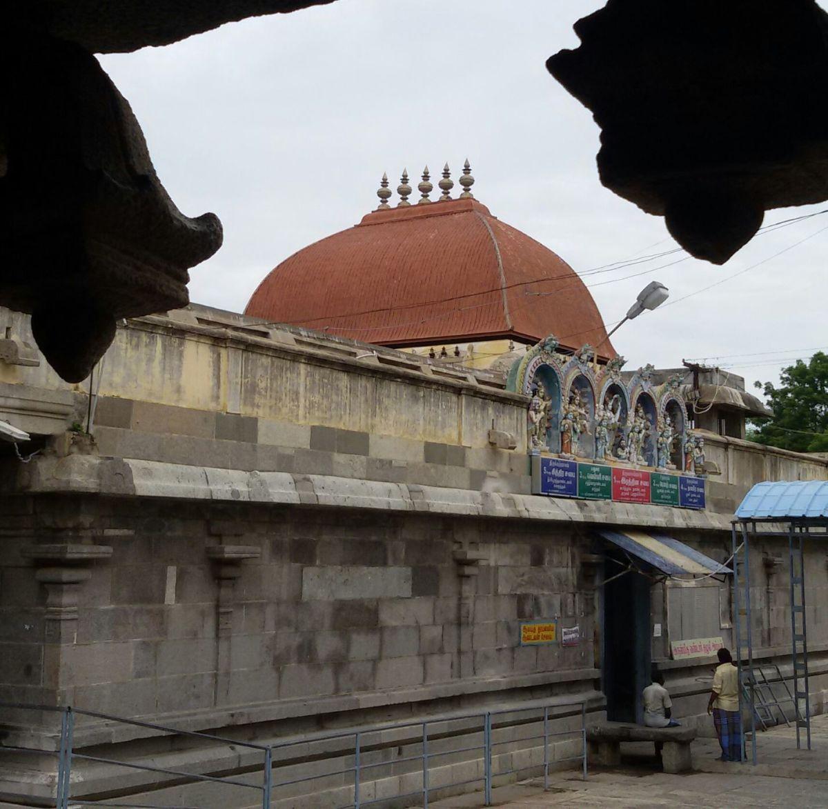 """""""RATNA SABHAI"""" or Gem Dance Hall (BADA ARANYESWARAR temple at Thirubalangadu) -- 13 degrees 07 minutes 48 seconds North, 79 degrees 46 minutes 30 seconds East."""