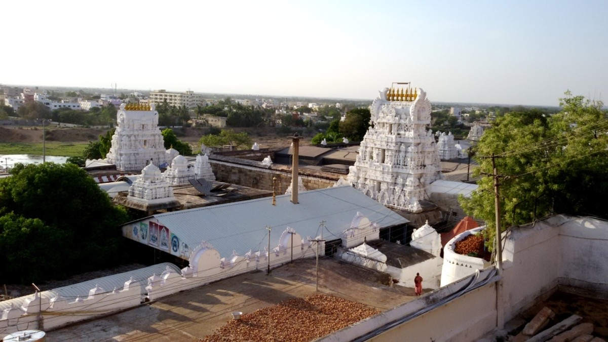 SRIKALHASTISWAR (Lord of MARUT or air) -- 13.7494 degrees North, 79.6983 degrees East.