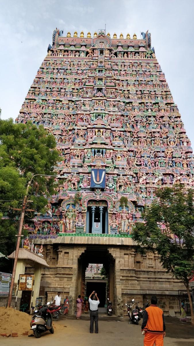 SARANGAPANI temple at Kumbhakonam : 10.9596 degrees North, 79.3754 degrees East