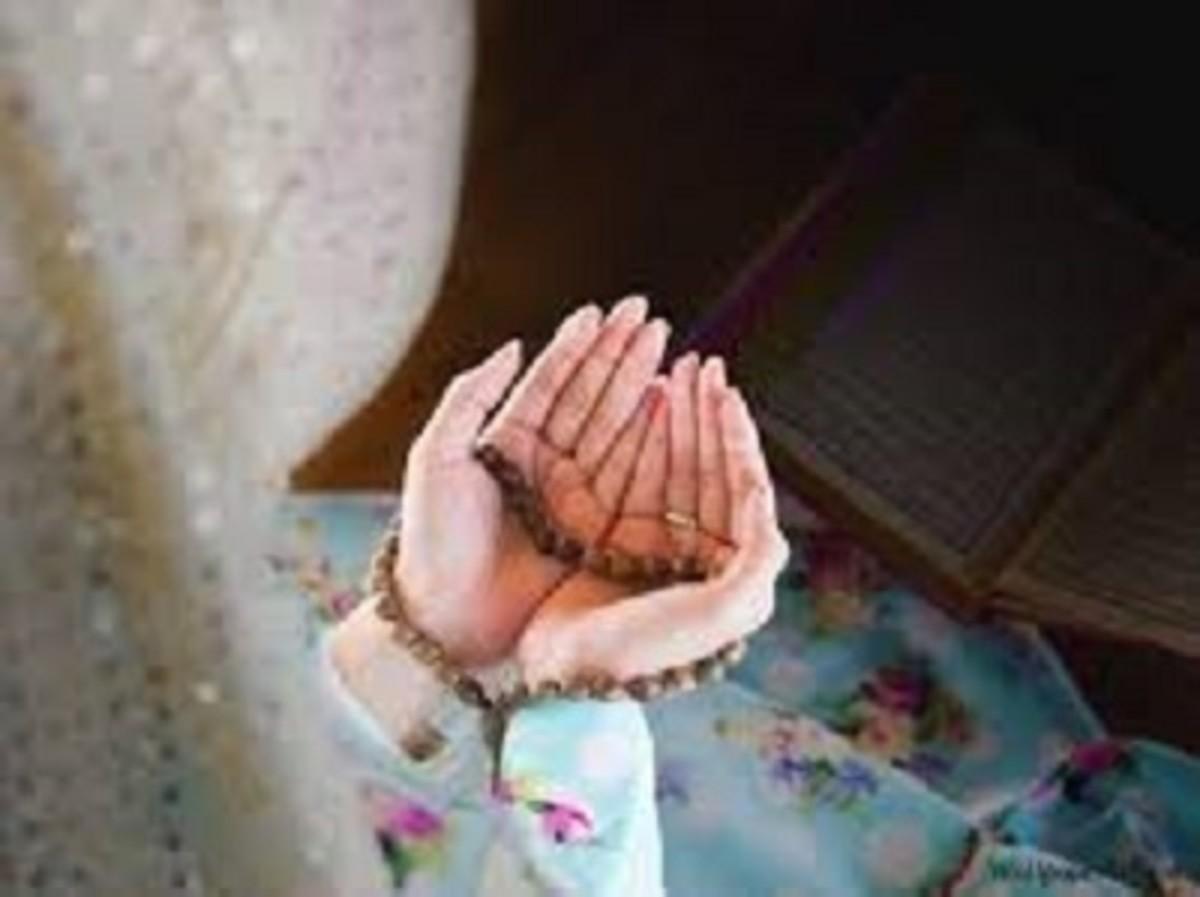 Pic: Yasmin Praying