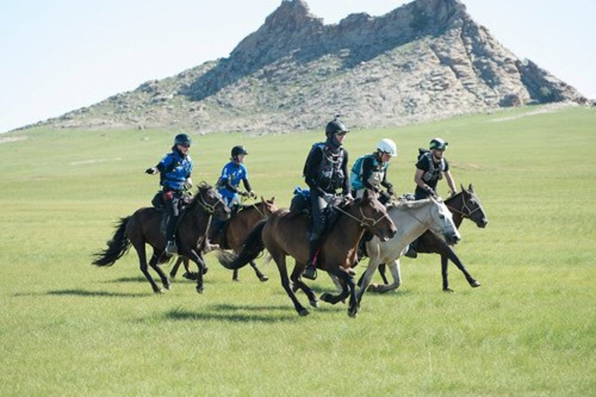 Mongol Derby riders.