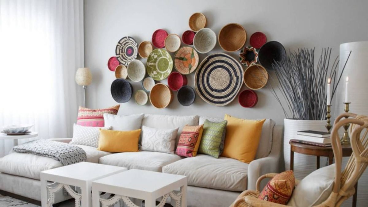 The Aquarius living room should have conversational pieces.