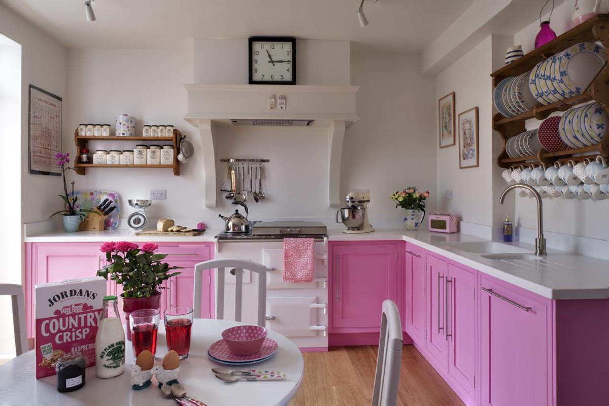 An Aquarius kitchen should pop. It should have a distinct color, plenty of storage, and lots of electronics.