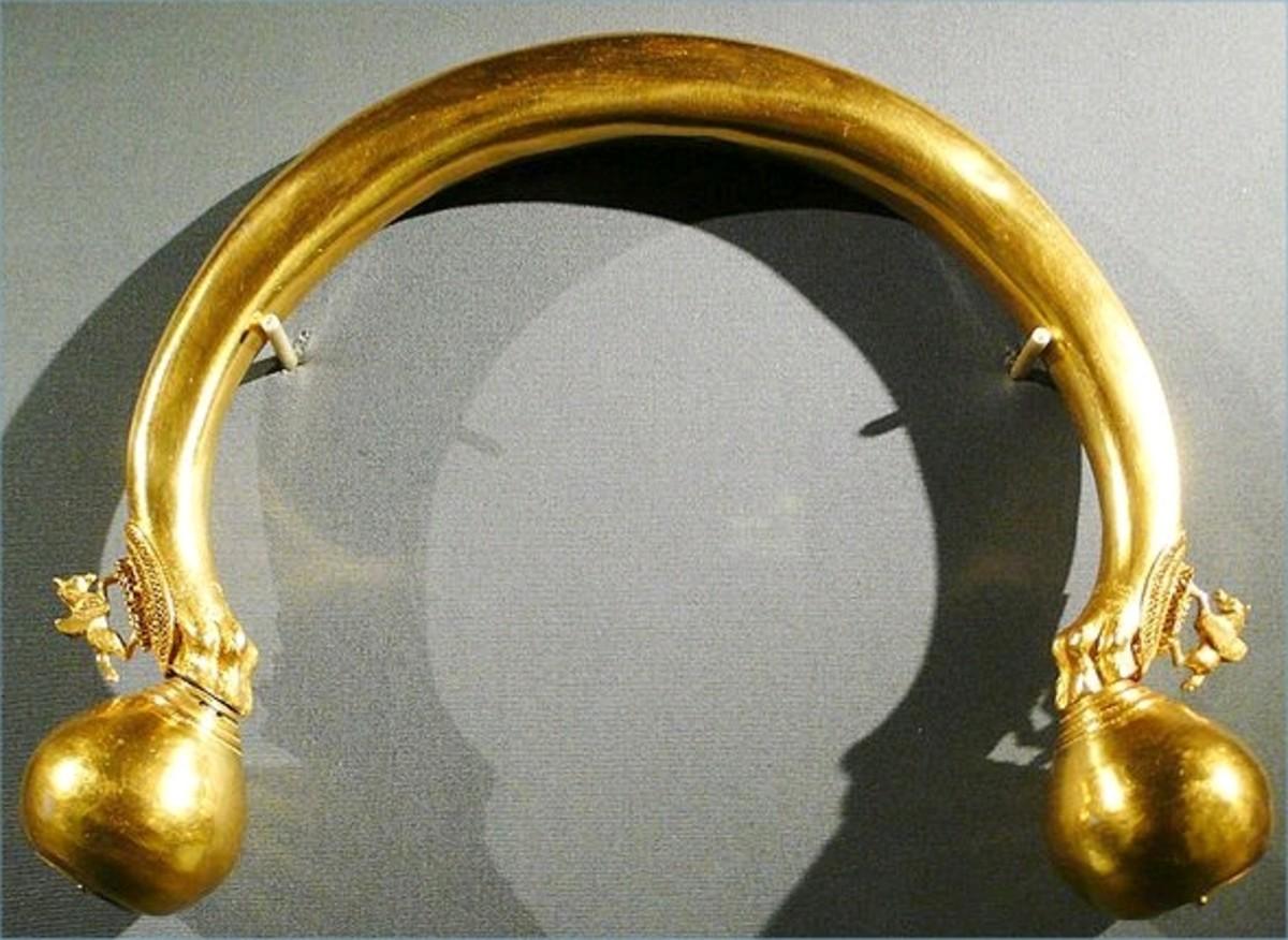 Golden Torque - The sign of a Nobleman