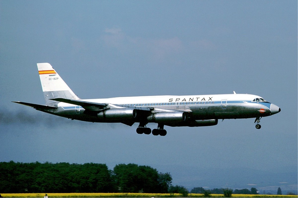 A Spantax Convair 990 similar to the one involved in the accident