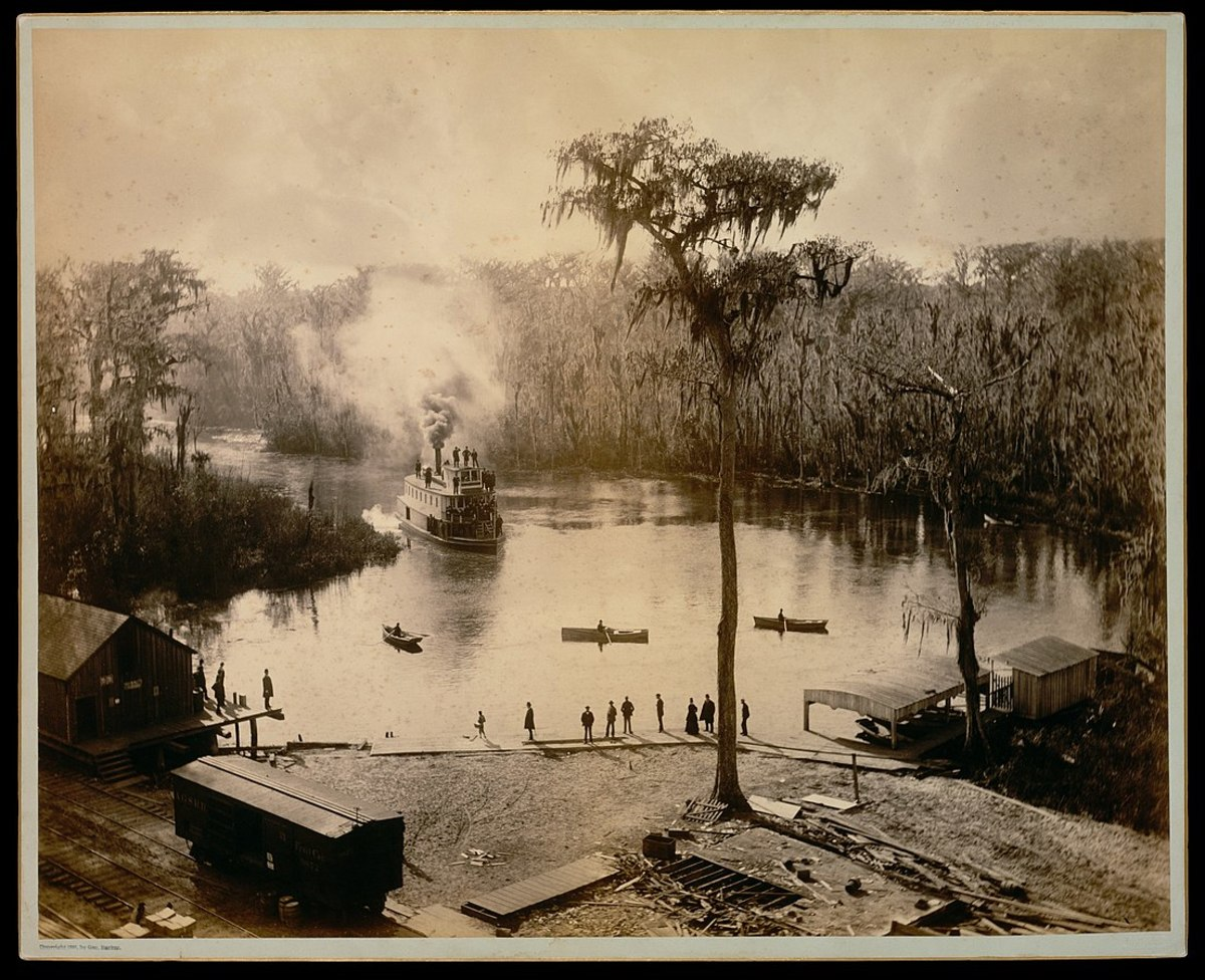 A steam-powered stern-wheeler arriving at Silver Springs in 1886.