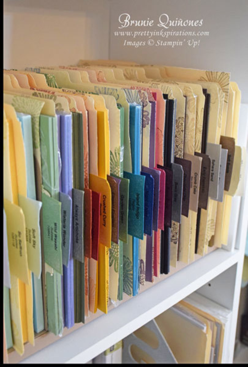 This idea is perfect for a bookcase to hold those smaller sheets we all have and love