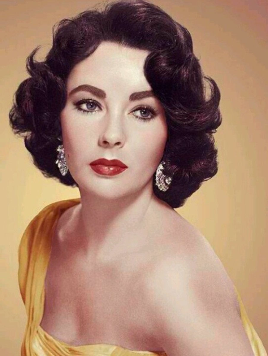 Elizabeth Taylor's eyebrows were perfectly groomed and very elegant.