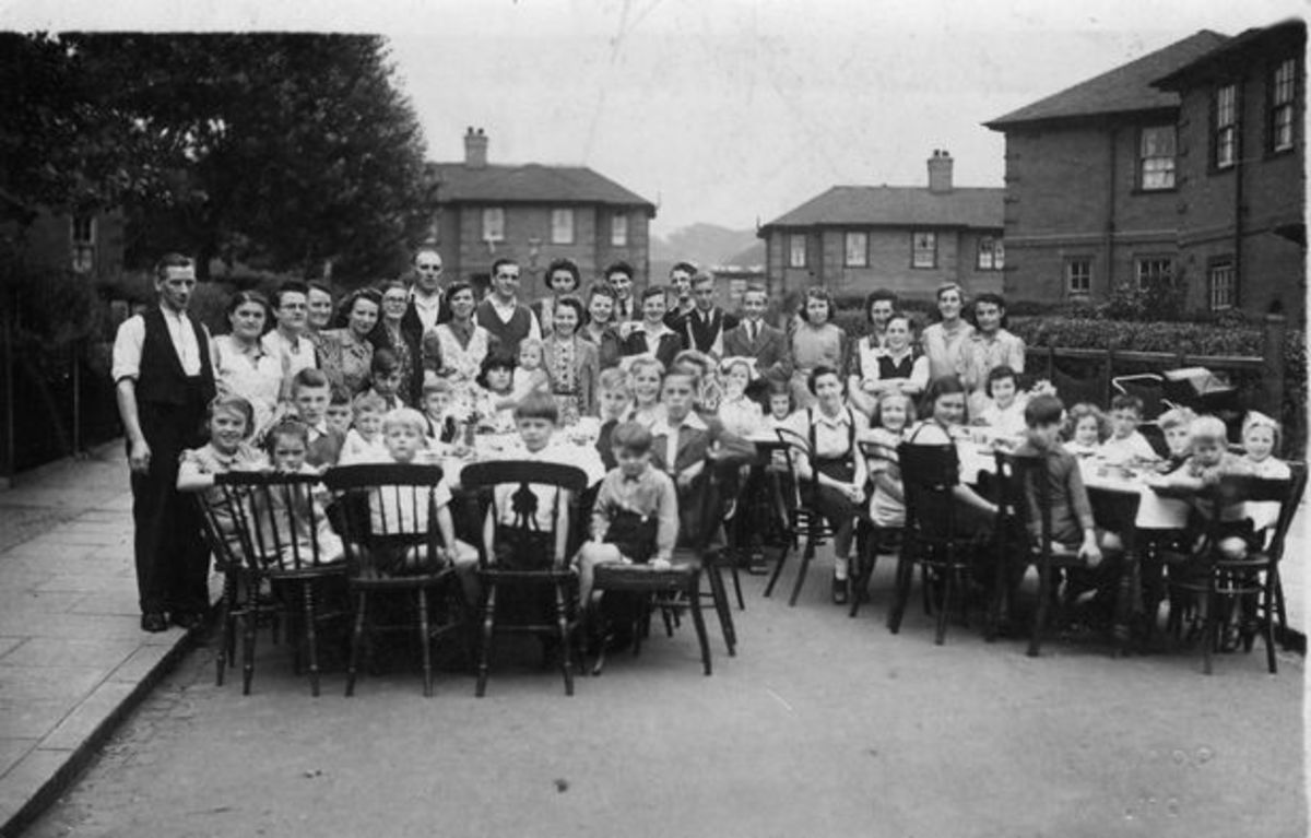 VE Day celebrations in Hadleigh Road, Abbey Hulton
