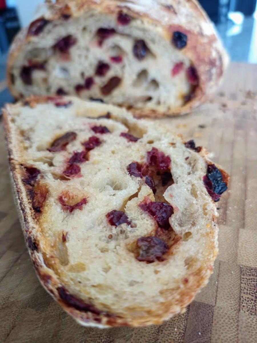 cinnamon-raisin-sourdough-bread
