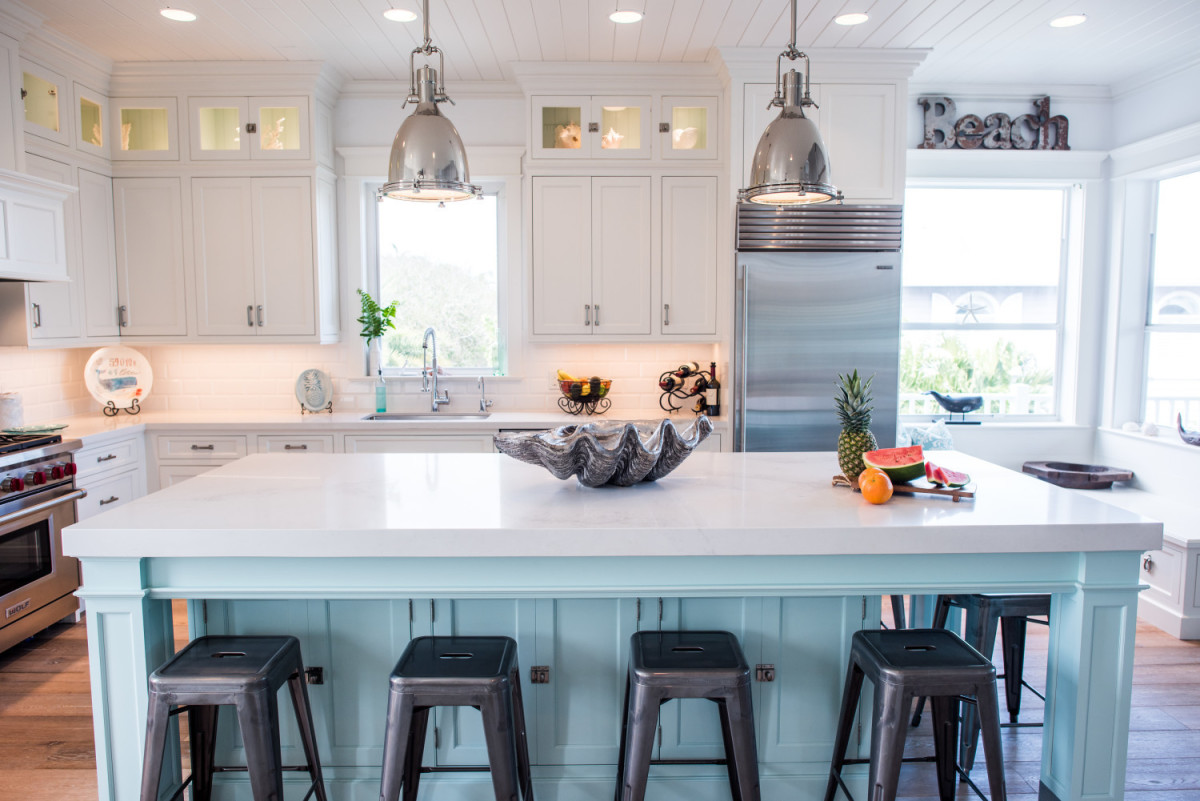Metal is great in the kitchen. Look for ways to add rounded objects. Keep things in pairs. More vibrant colors go in the kitchen.