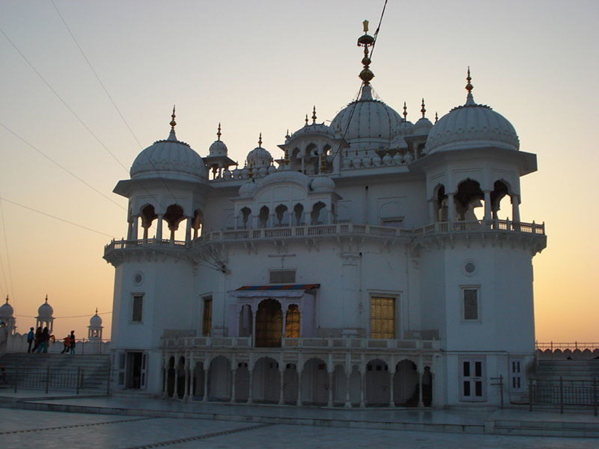Keshgarh Sahib, the place where the baptism of the 5 beloved ones took place and where a Gurudwara stands today.
