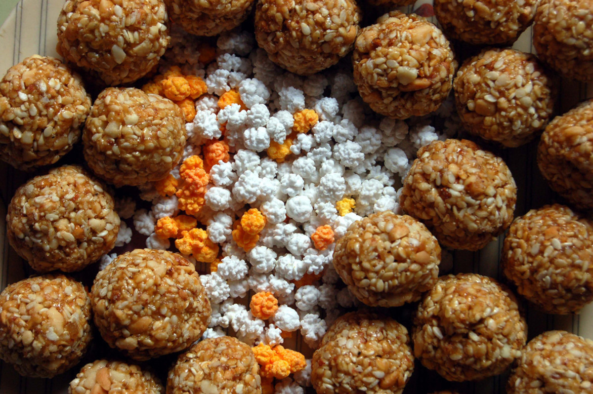 the traditional til gul laddoos made in Maharastra