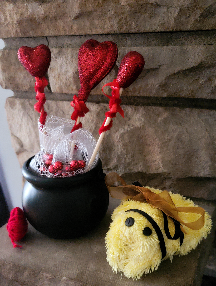 This love bug bee craft is simply adorable, and it's a great way to break free from the pinks and reds that typically dominate Valentine's Day.