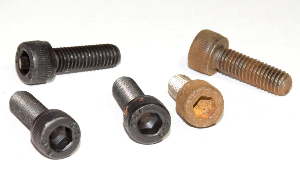 Hex socket head cap screws.