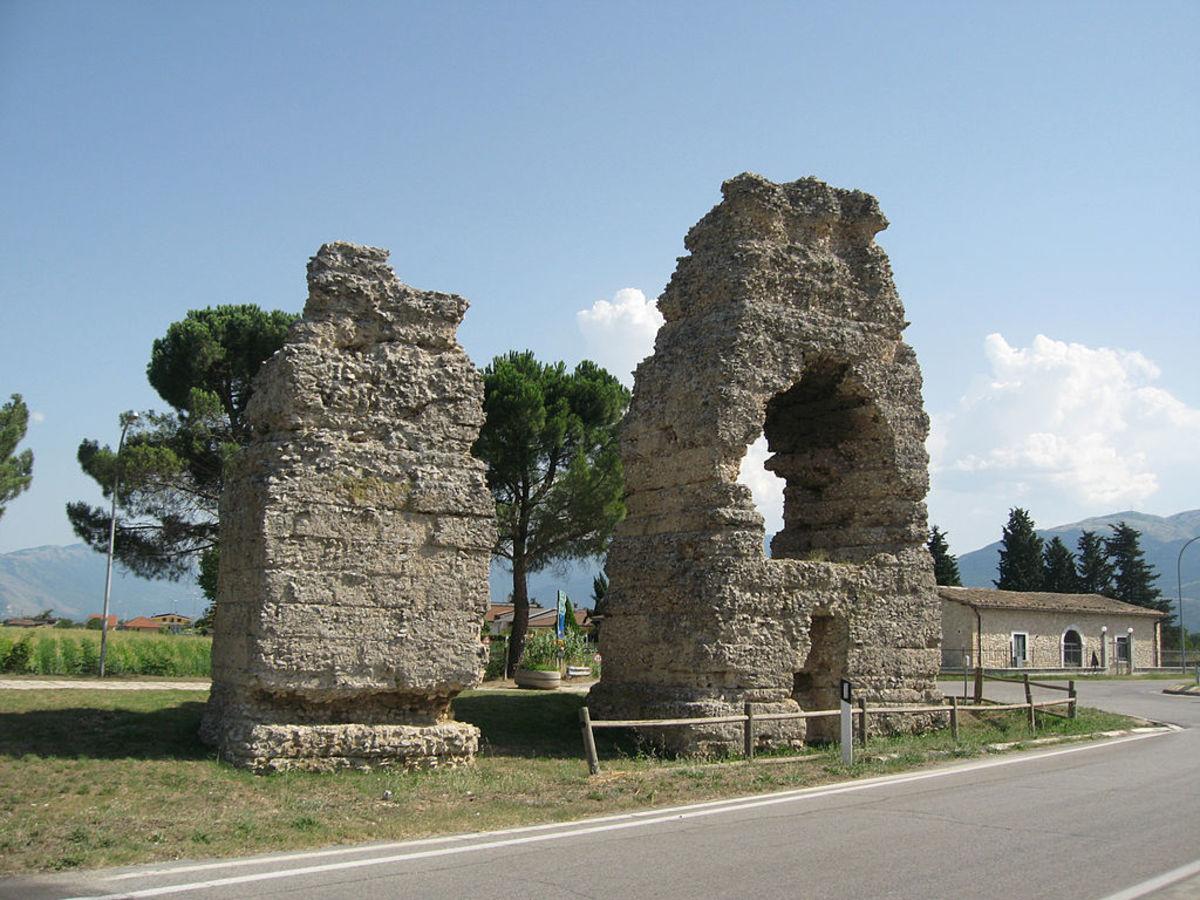 Corfinium Archaeological Park (Corfinio, Abruzzo)