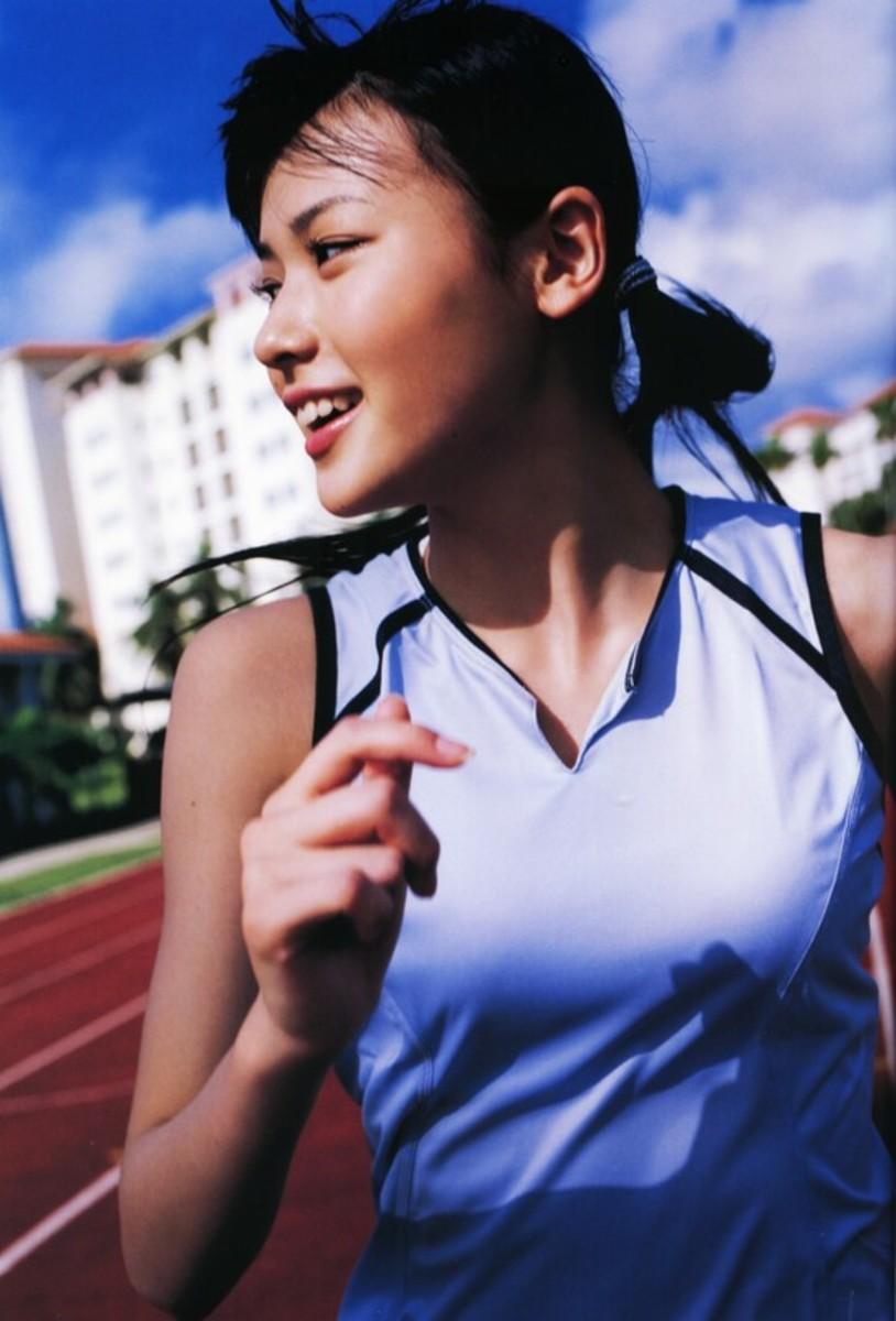 Maimi Yajima running.