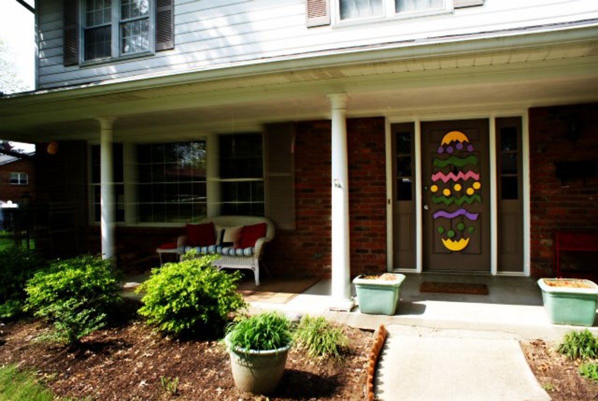 Happy Exterior Easter Decorations