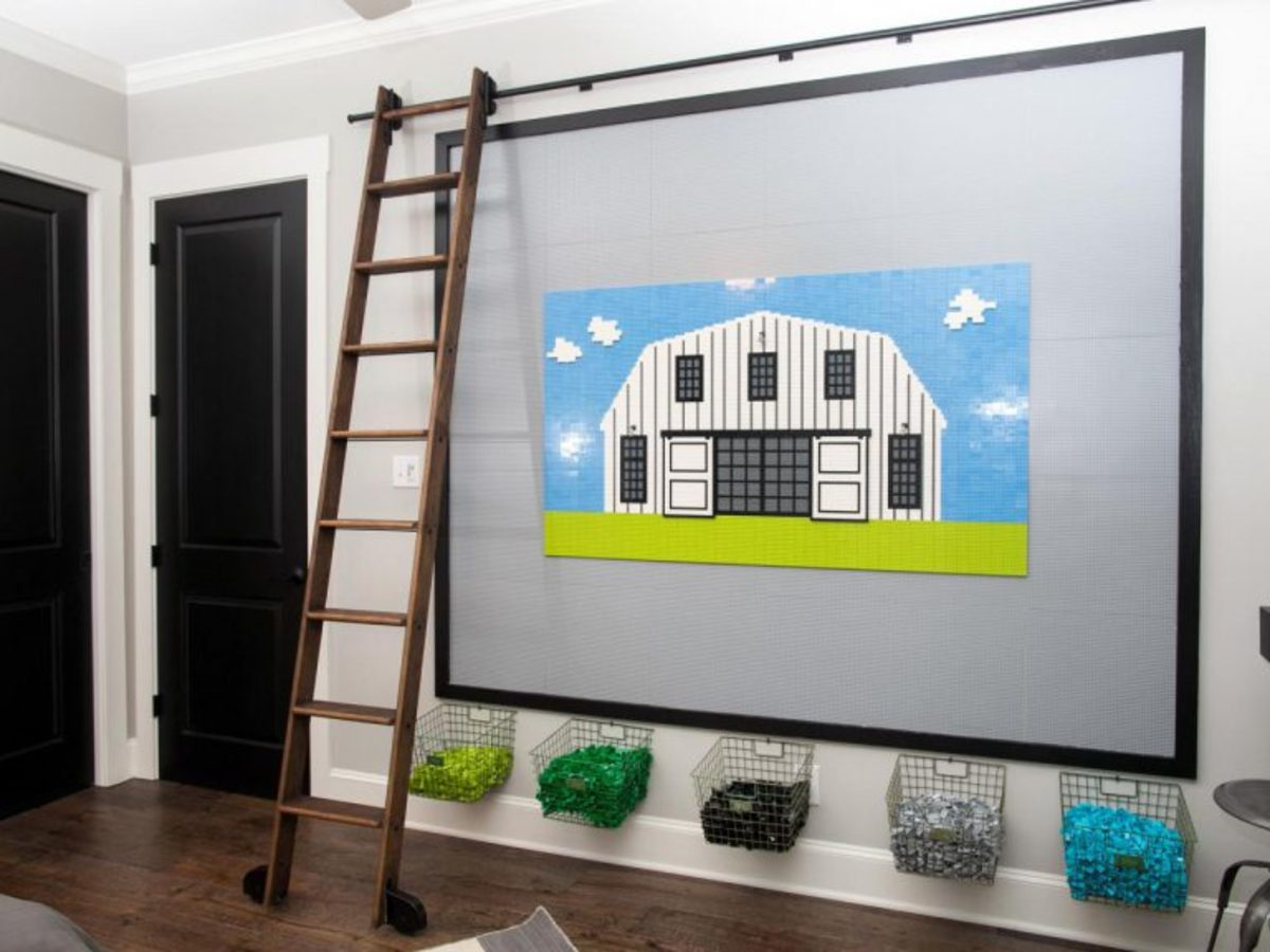 The Fixer Upper episode with a Legos on the wall in the boy's room.