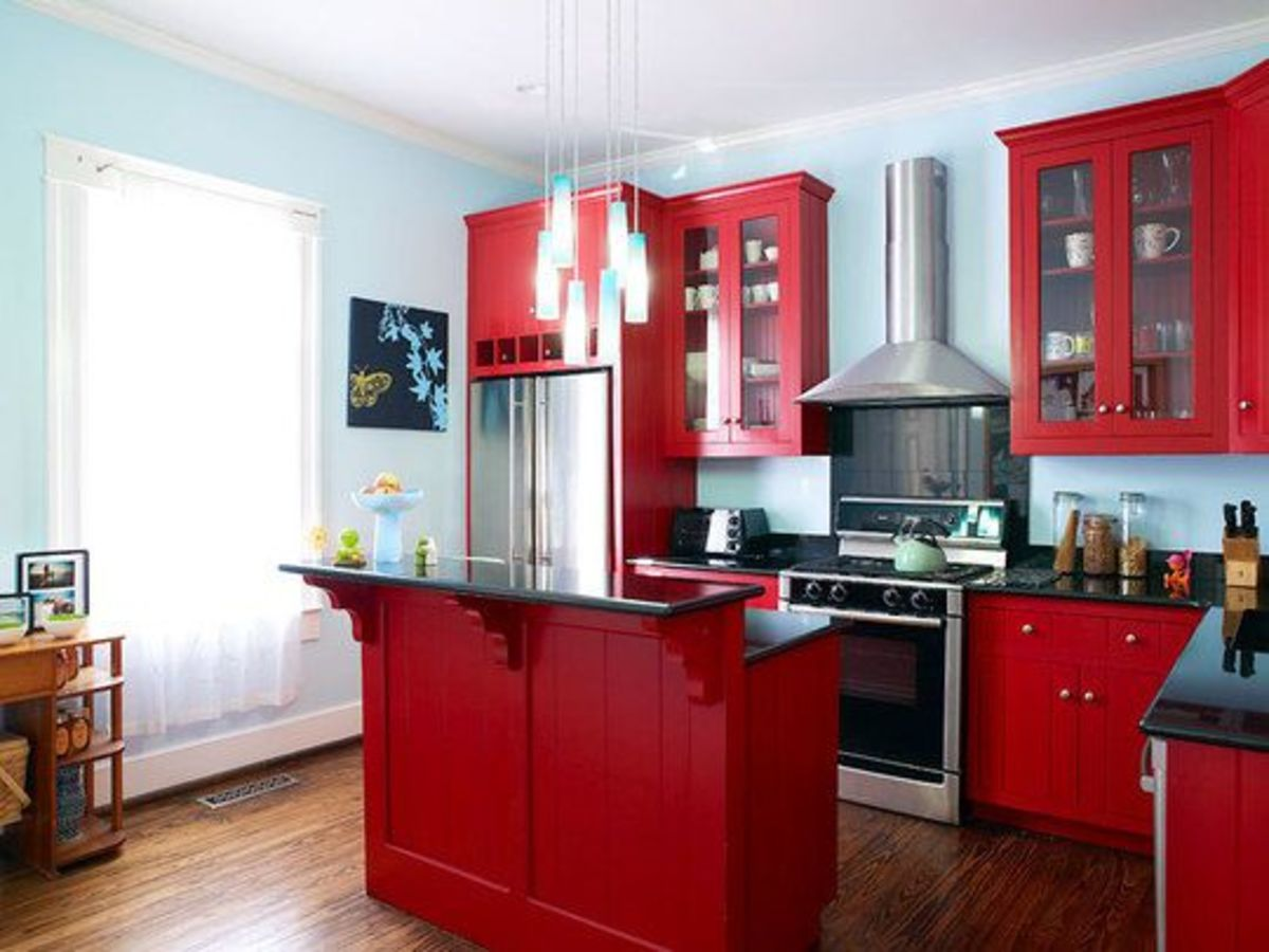 The kitchen should be a mix of fire and water energies. You should have objects with curves and sharp lines, blue and red, and mixed materials.