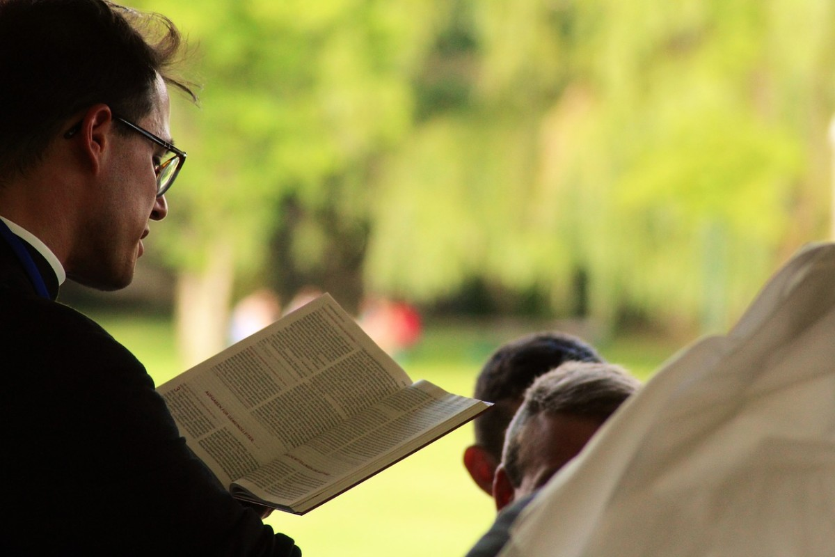 priest pastor bible christianity