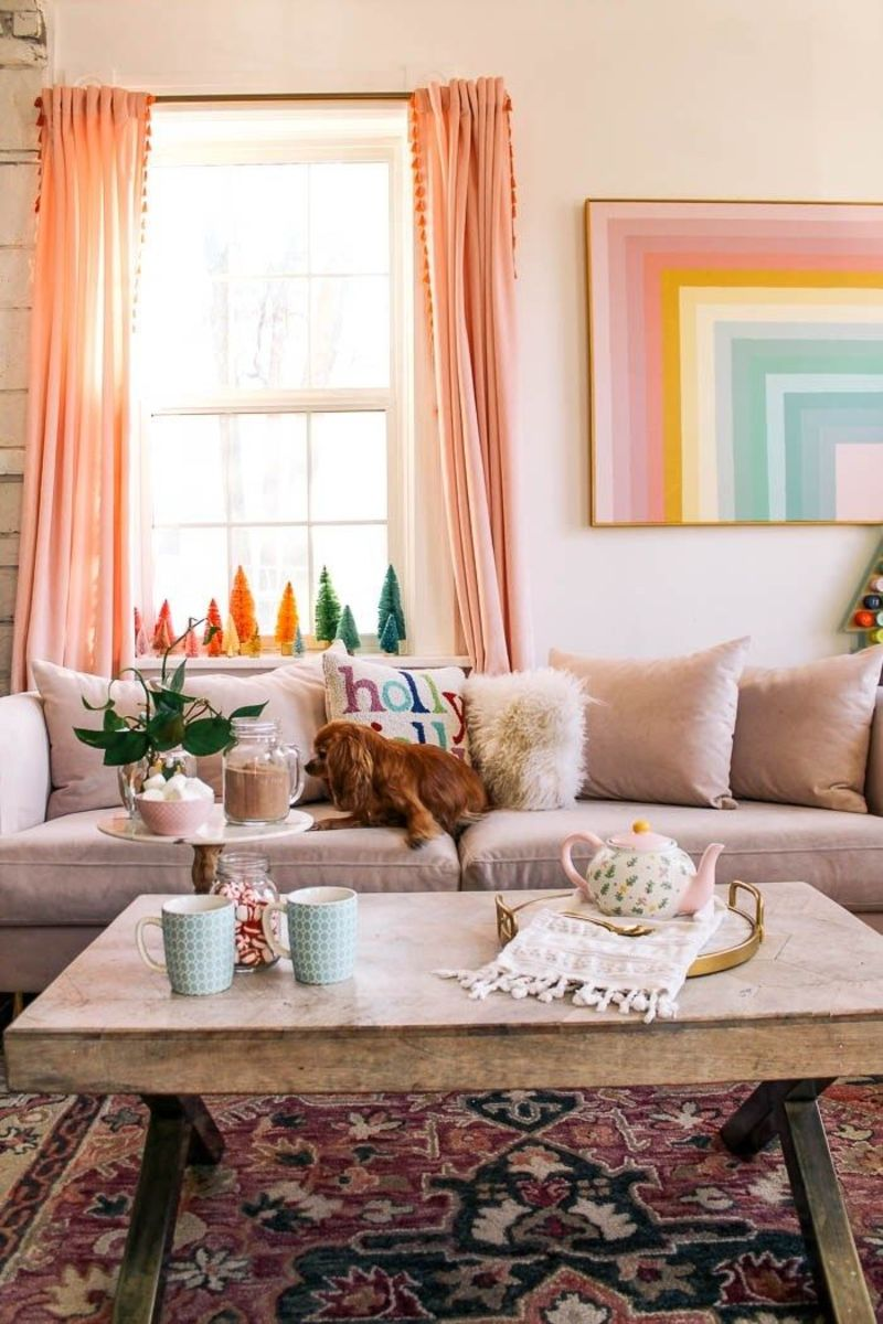 Libra living rooms should pop with color and tiny decorations.