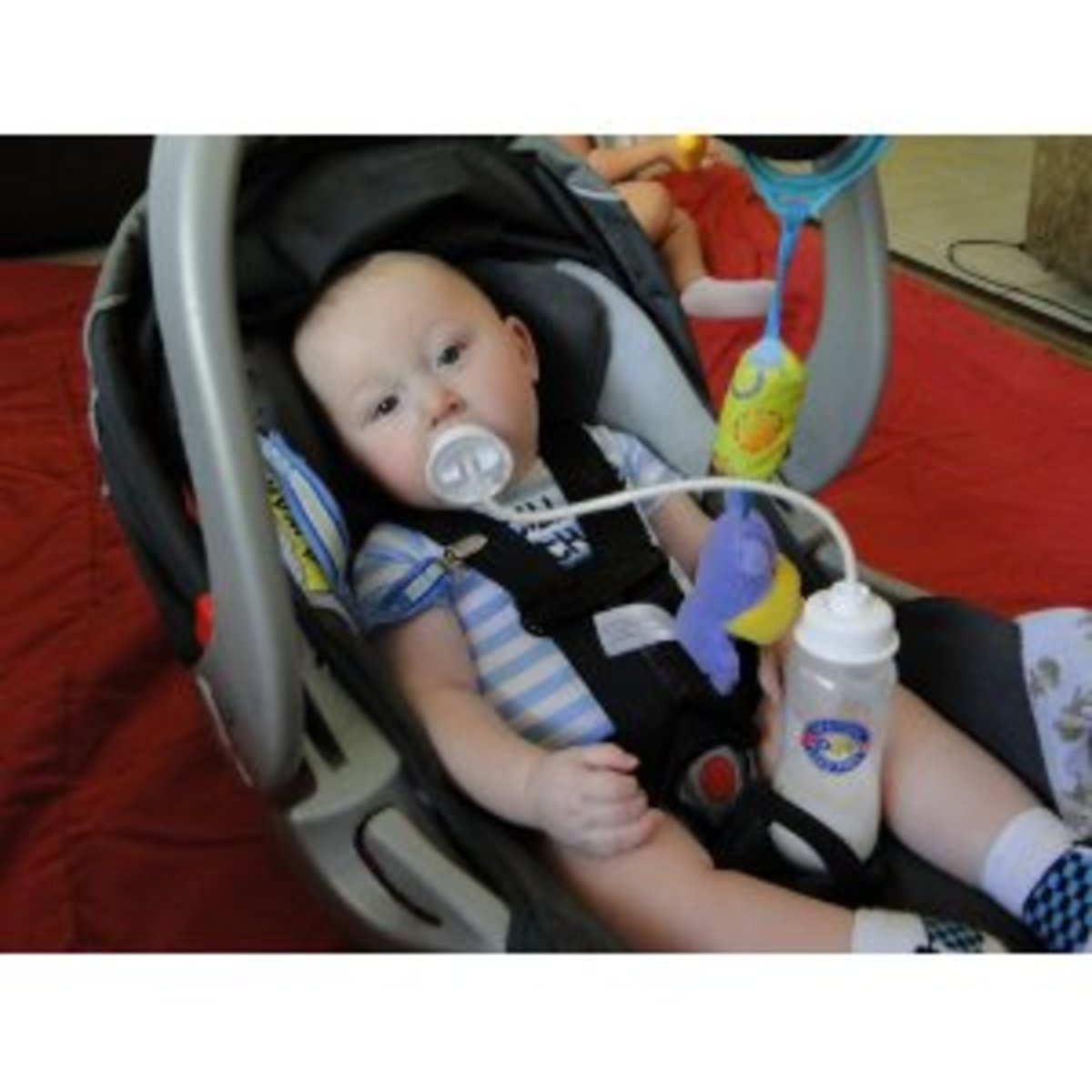 Podee Baby Bottle Feeding System Hands Free Feeder For