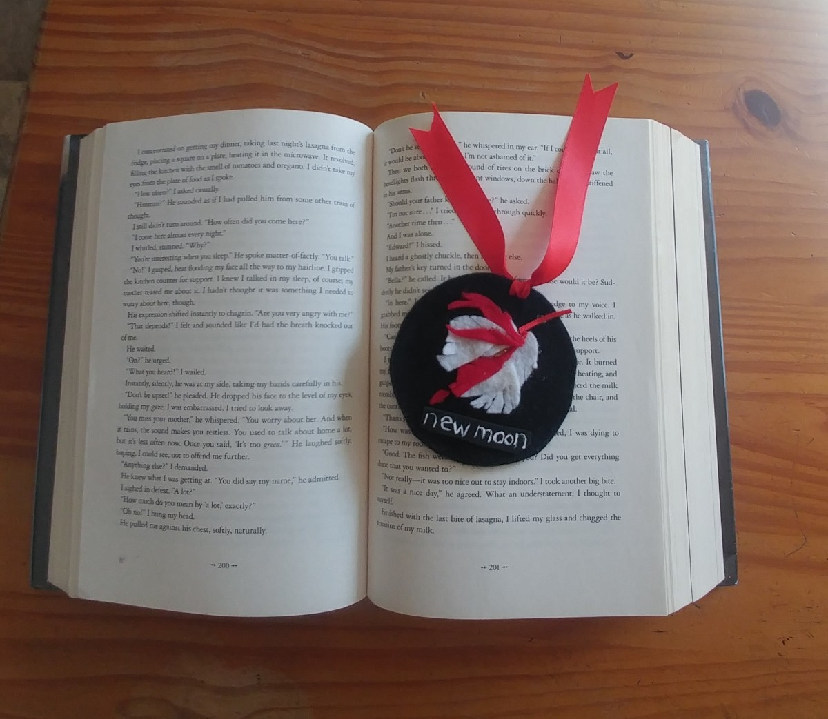 A circle bookmark, is an excellent choice to save the page in a novel.