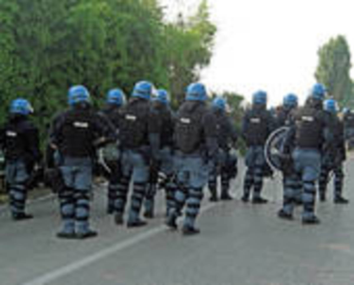 Do We Live In A Police State?  Is The United States Under Martial Law? Is The Constitution Still A Valid Document?