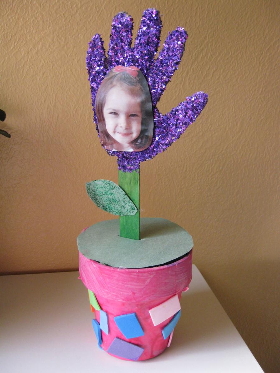 Valentine Craft Ideas on Valentine S Day Handprint Flower Plant