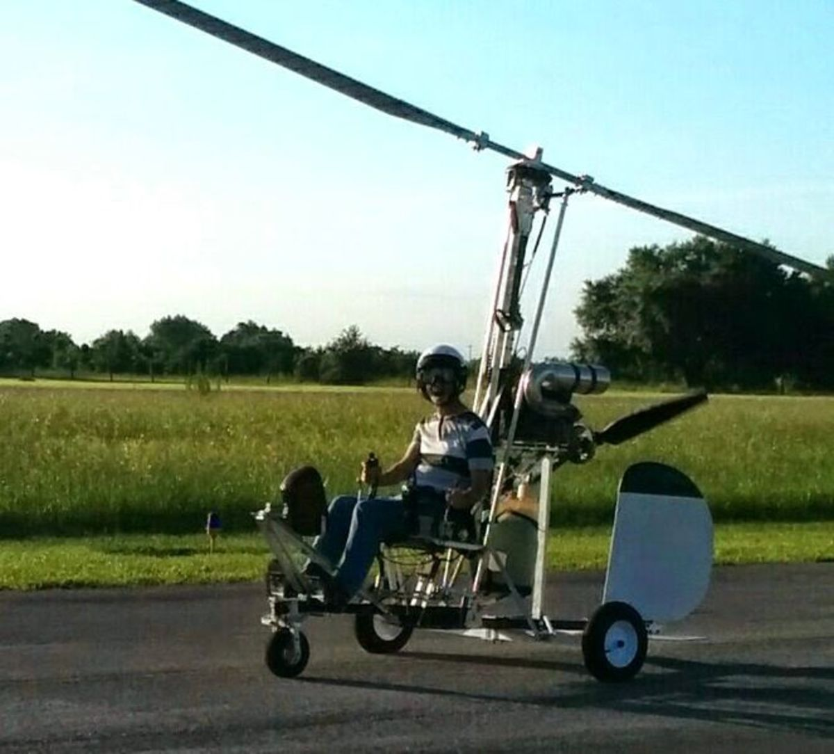 Doug Hughes in his Gyrocopter July 2014