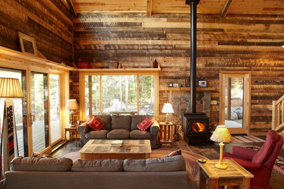 Cabin like settings are great for Sagittarius homes. The living room should be an inviting space for thinking and meeting people.