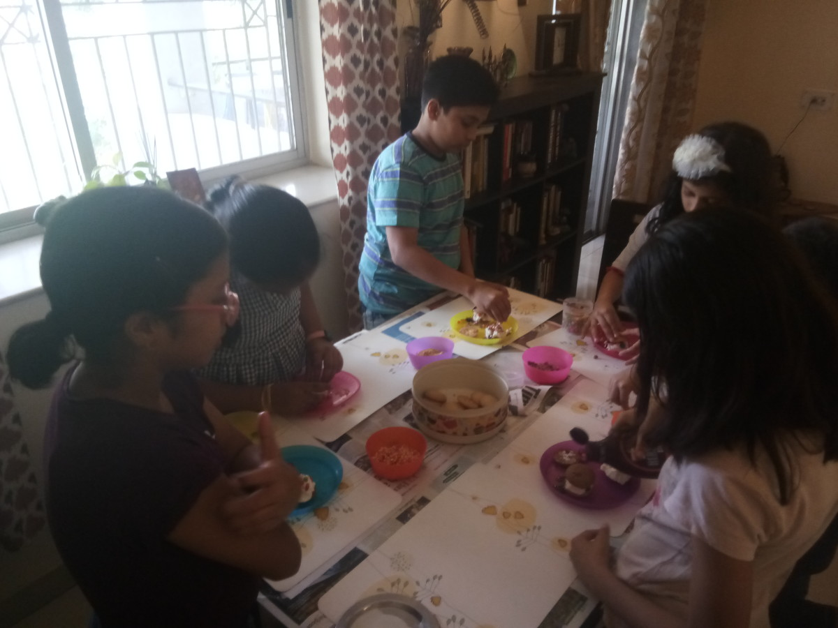 Whole wheat cookies with Ragi- children designing their own ice-cream sandwiches!