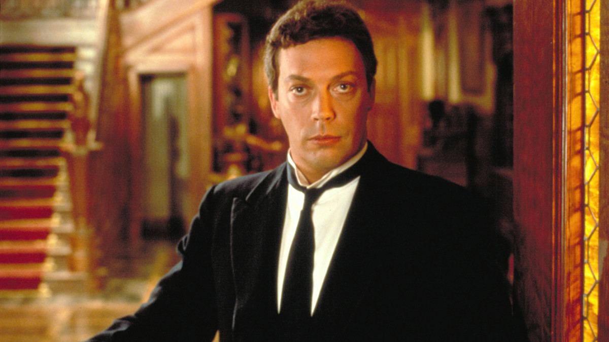 The film's cast all interplay well with the central character Wadsworth, played with typical hammy relish by Tim Curry.