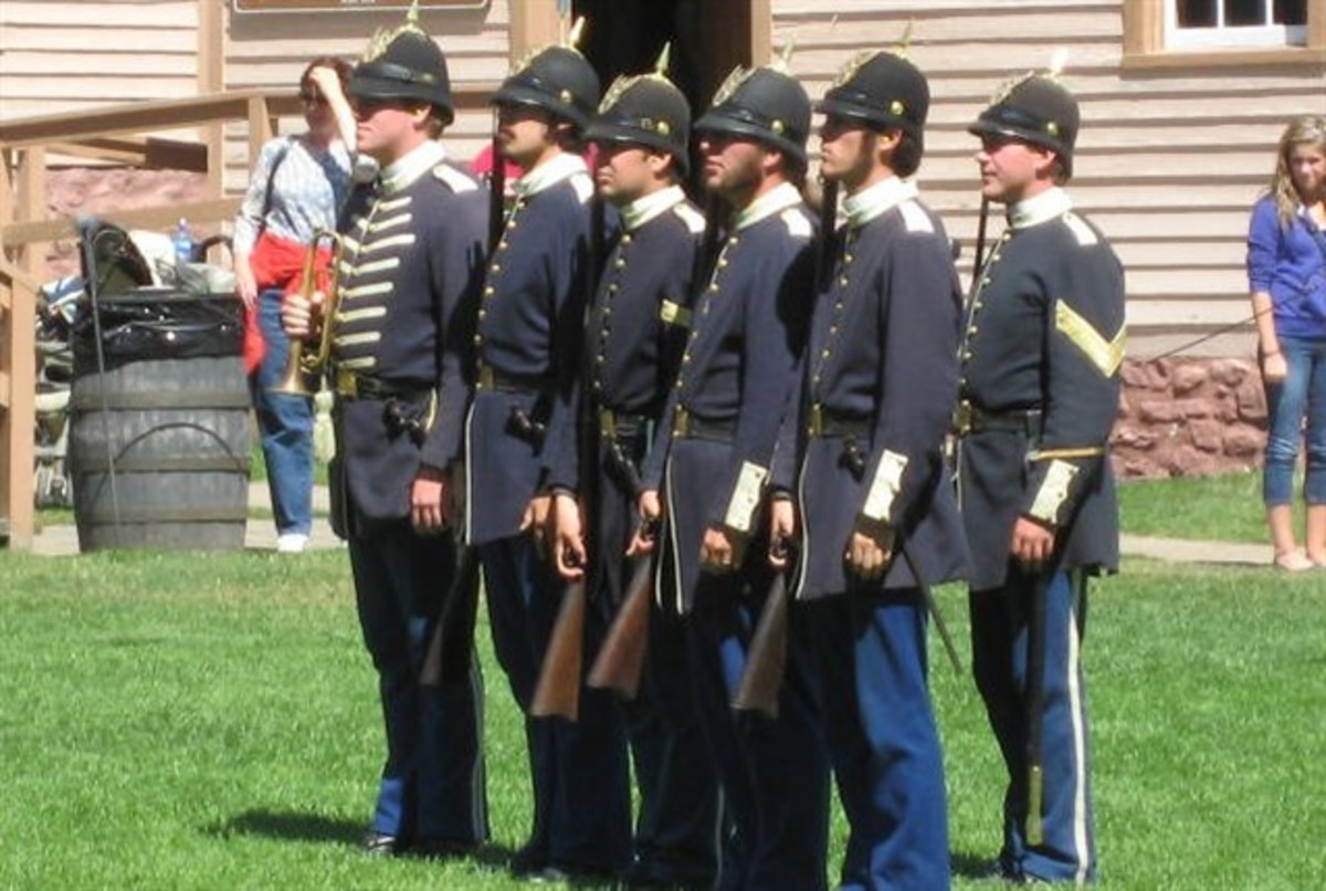 Fort Mackinac soldier demonstrations