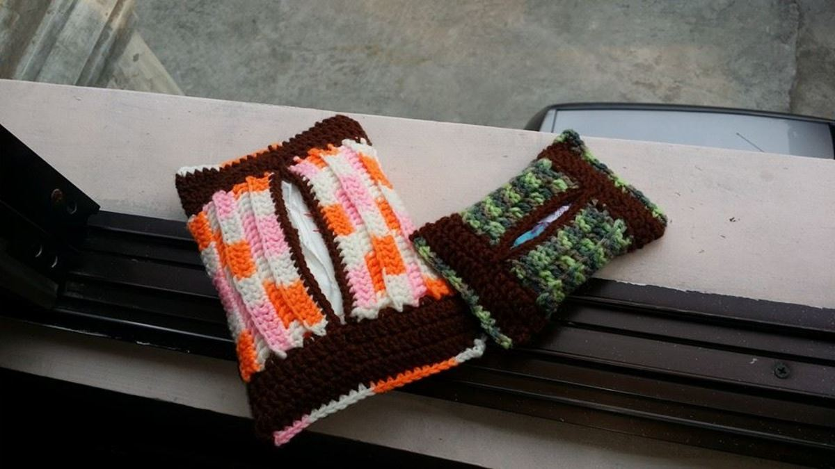 Tissue Holder - A simple free pattern