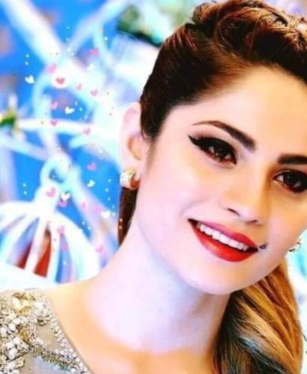 15 Most Beautiful Women Celebrities of Pakistan