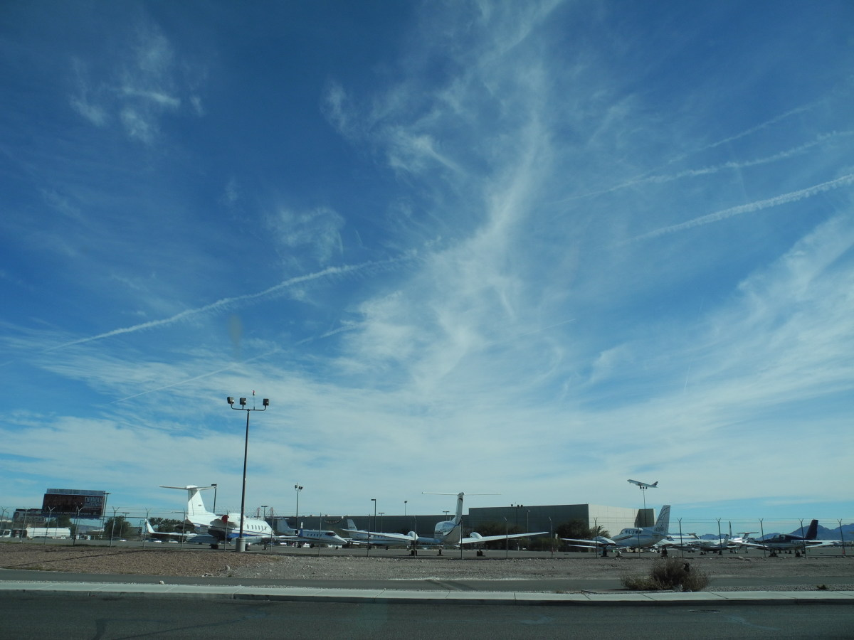 """Image viewed further away... showing the entire pattern of the sky around this image.  Notice how the winds separate some of the chemical, but clusters in other areas.  This is NOT a """"Real Cloud"""" but Contrived."""