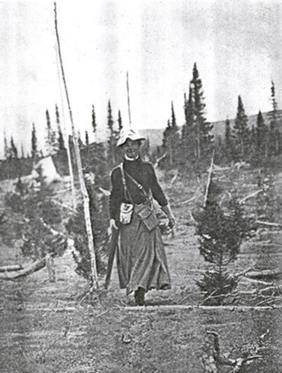 Mina Hubbard, Walking a Trail