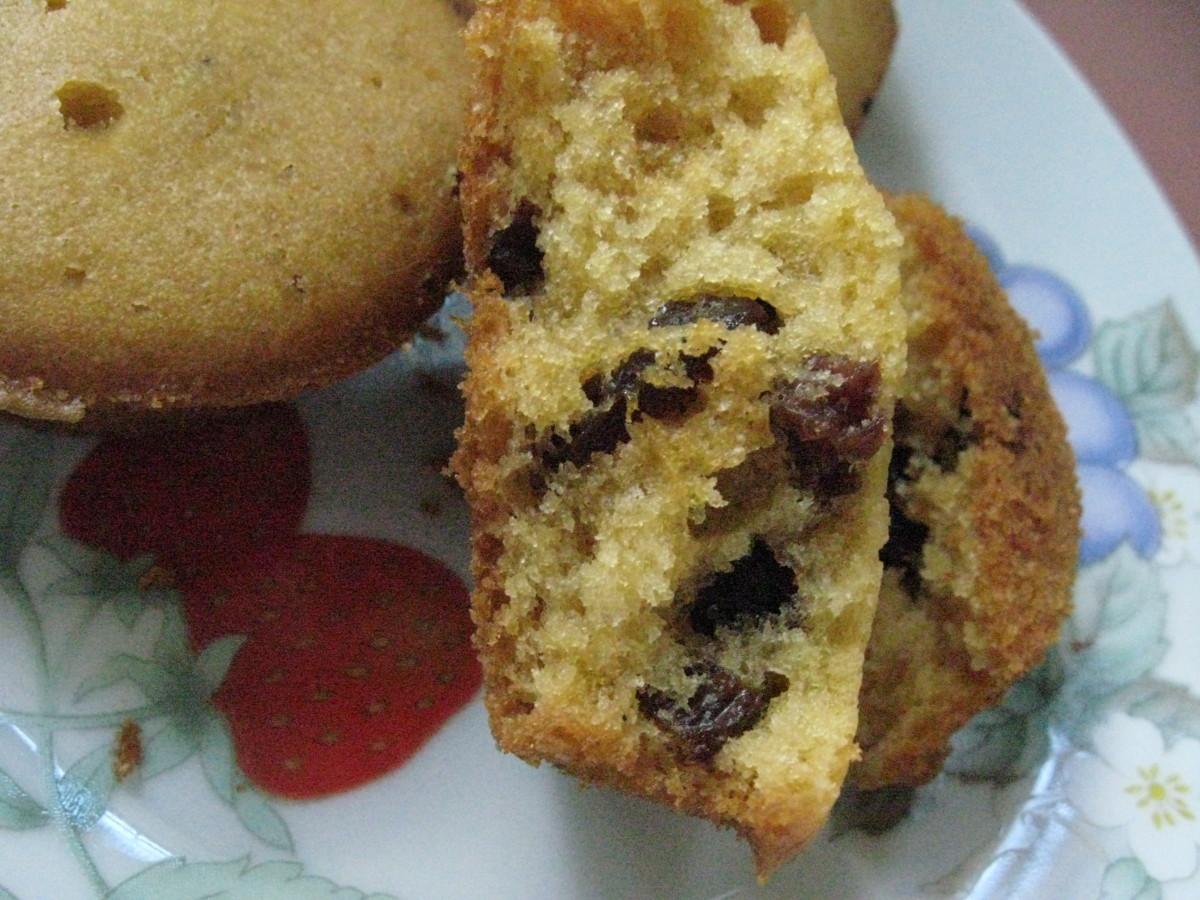 Chocolate Chips and Raisin Muffin Recipe