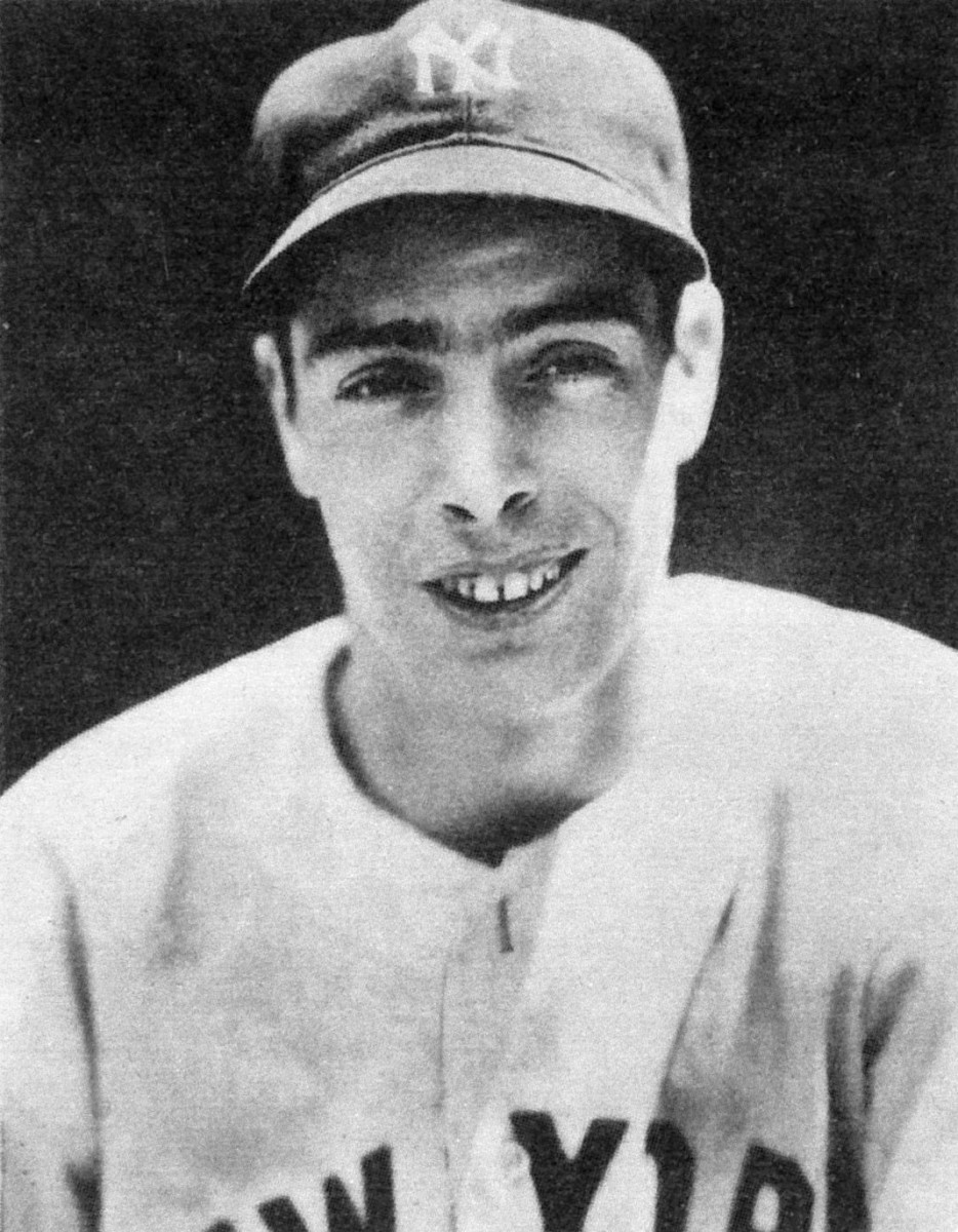 Before his legendary career with the New York Yankees, Joe DiMaggio spent time with the San Francisco Seals in the minor leagues. He was born in nearby Martinez, California.