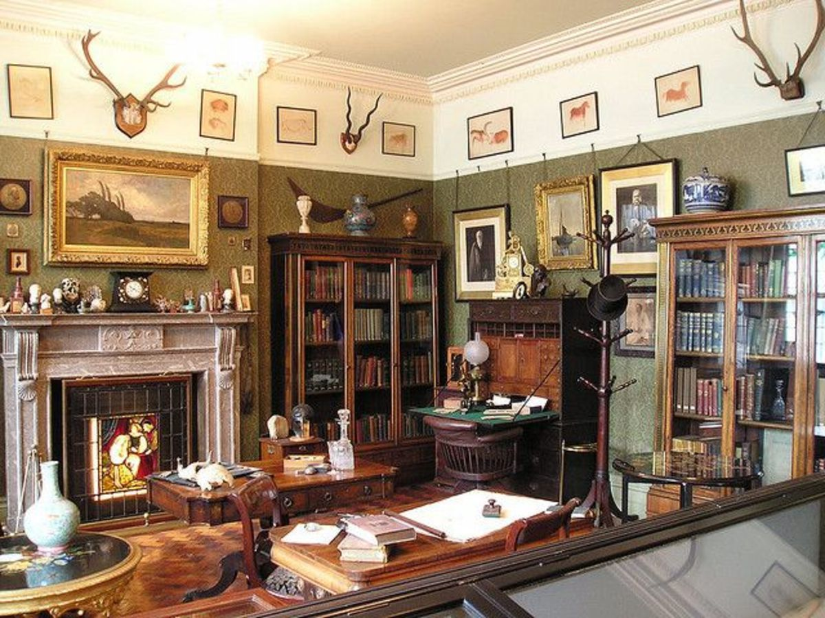 An office with earth feng shui should look smart, logical, and bookish. Your study might look like it belongs to a professor. Add globes, world maps, and books on geography.