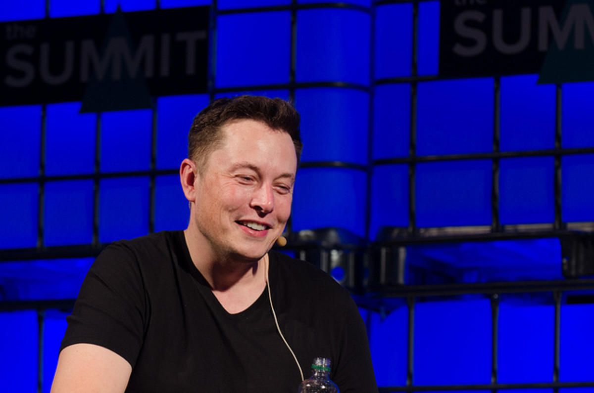 Elon Musk, super hot guy, in Dublin.
