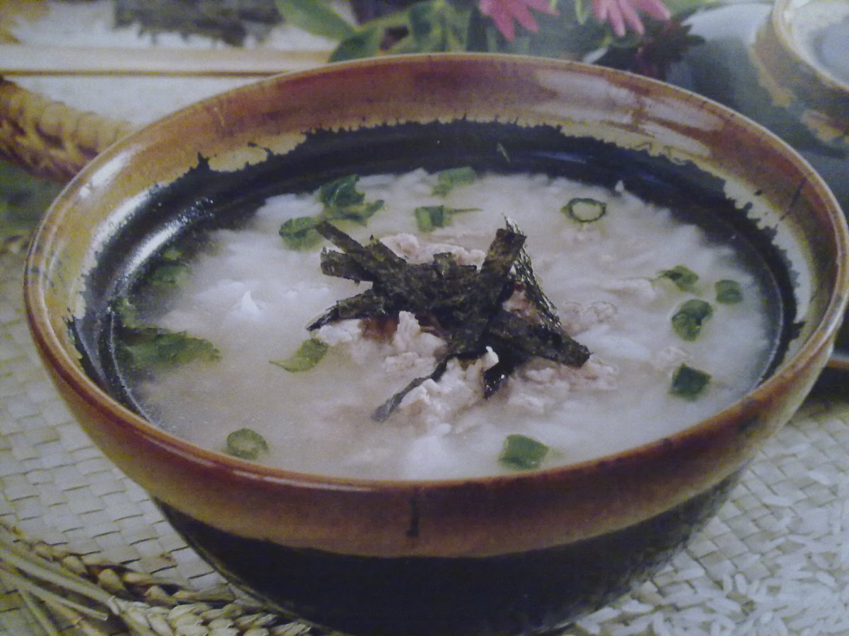 Soup Rice with Minced Pork and Laver, a good xcuse to