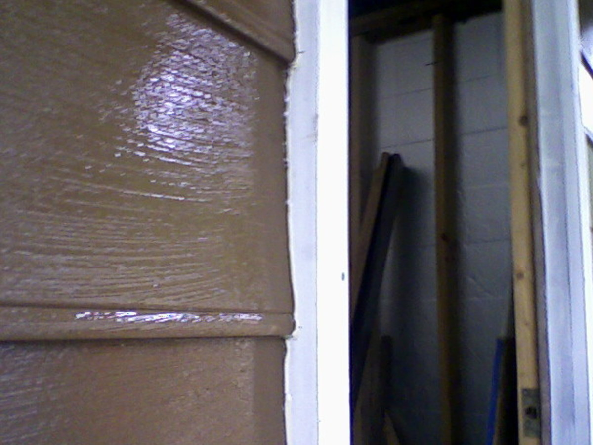 Good cut-in at door molding, done with trim brush.