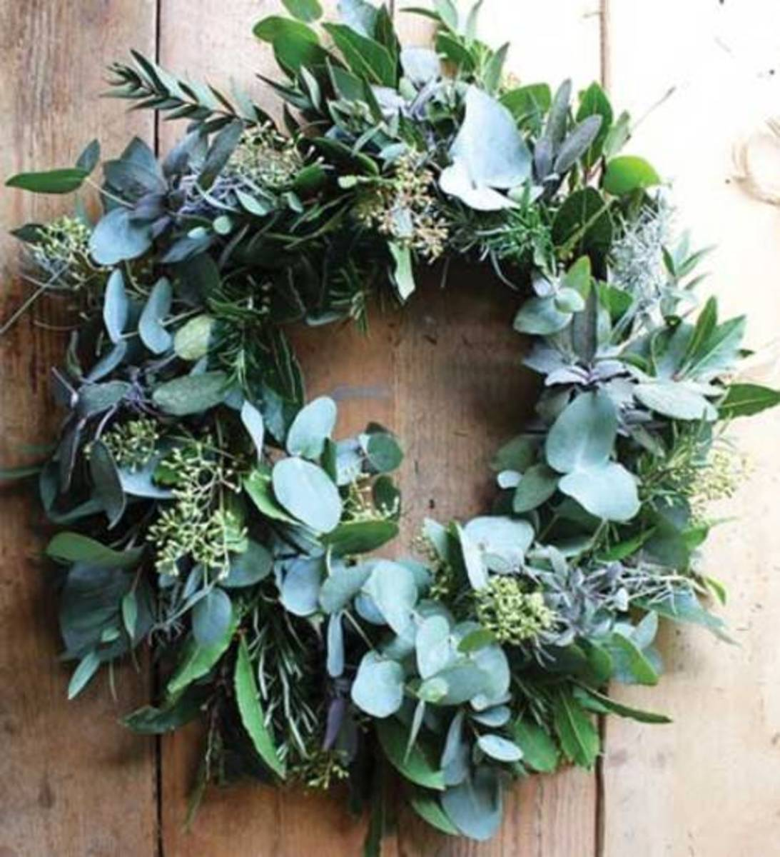 Foliage for greens, herbs and succulents to for the home with this DIY wreath.